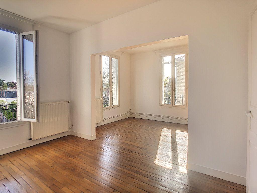Appartement à louer 3 49.25m2 à Créteil vignette-3