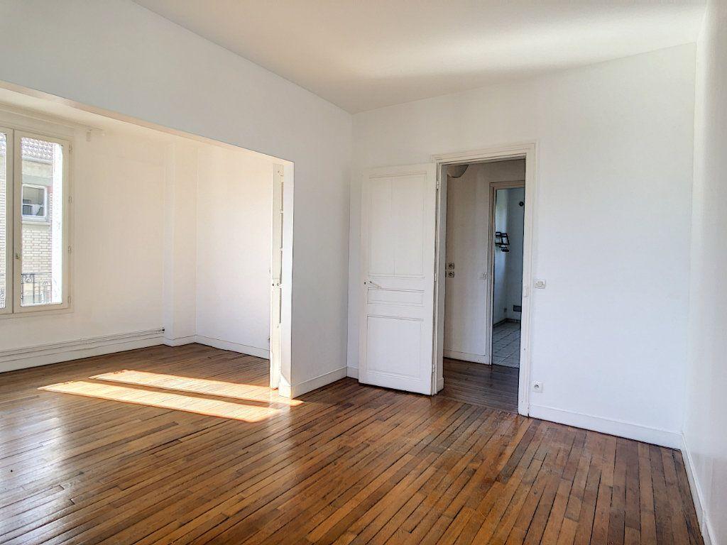 Appartement à louer 3 49.25m2 à Créteil vignette-4