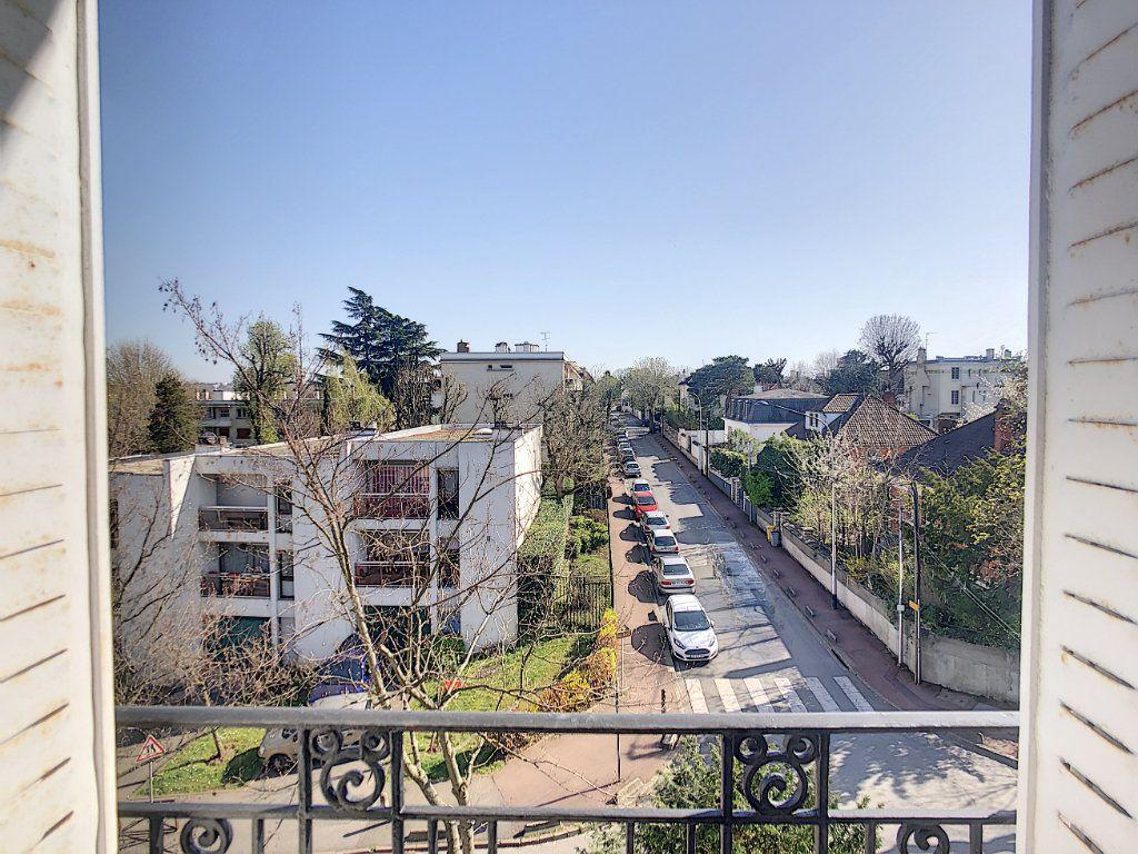 Appartement à louer 3 49.25m2 à Créteil vignette-8
