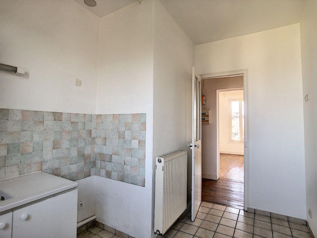 Appartement à louer 3 49.25m2 à Créteil vignette-14