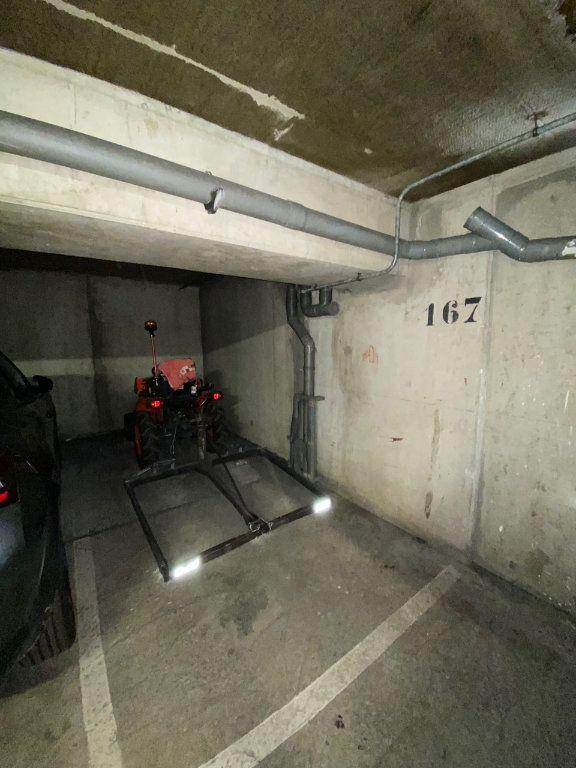 Stationnement à louer 0 0m2 à Nogent-sur-Marne vignette-2