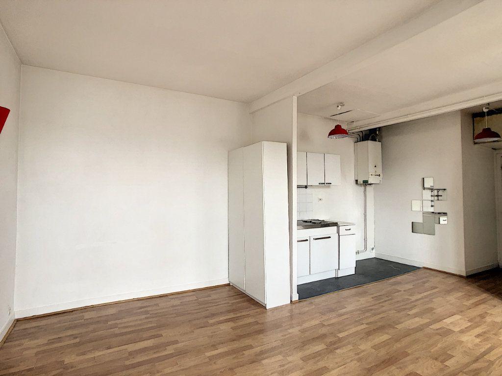 Appartement à louer 1 29m2 à Saint-Maur-des-Fossés vignette-6