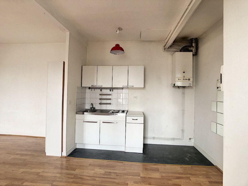 Appartement à louer 1 29m2 à Saint-Maur-des-Fossés vignette-9