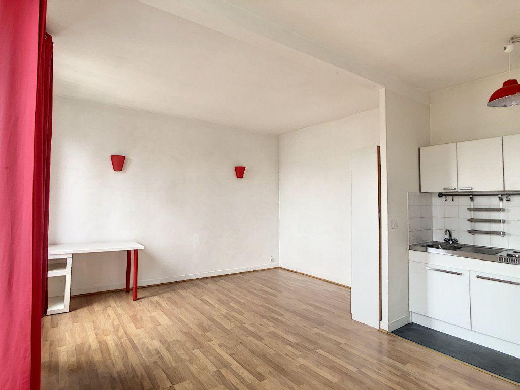 Appartement à louer 1 29m2 à Saint-Maur-des-Fossés vignette-10
