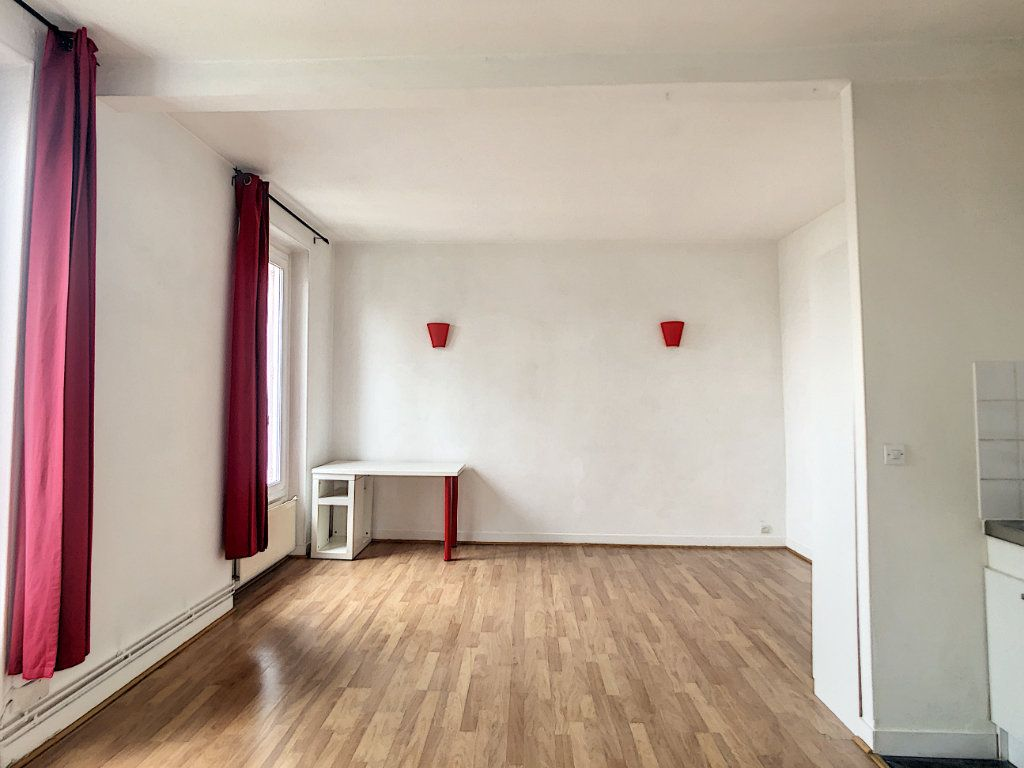 Appartement à louer 1 29m2 à Saint-Maur-des-Fossés vignette-12