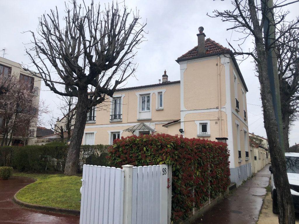 Appartement à louer 1 29m2 à Saint-Maur-des-Fossés vignette-16