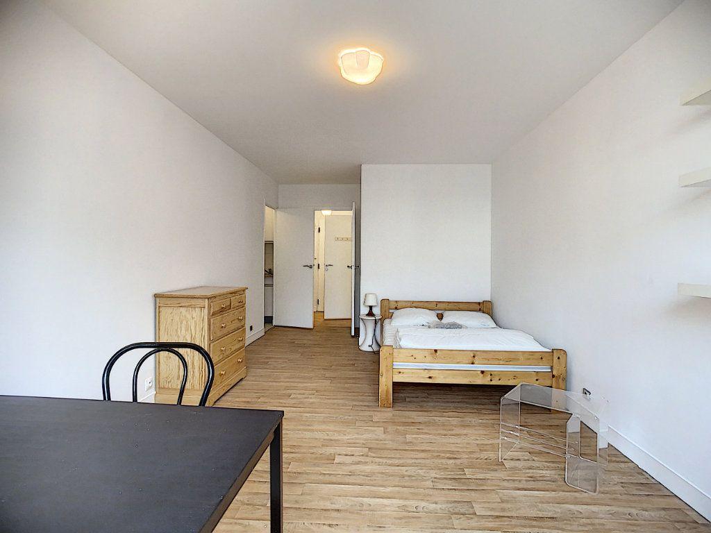 Appartement à louer 1 29.4m2 à Joinville-le-Pont vignette-5