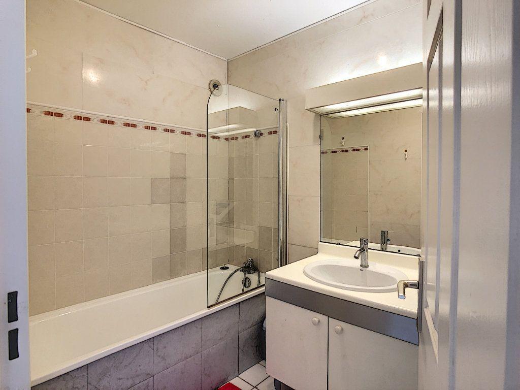 Appartement à louer 2 53.68m2 à Joinville-le-Pont vignette-15