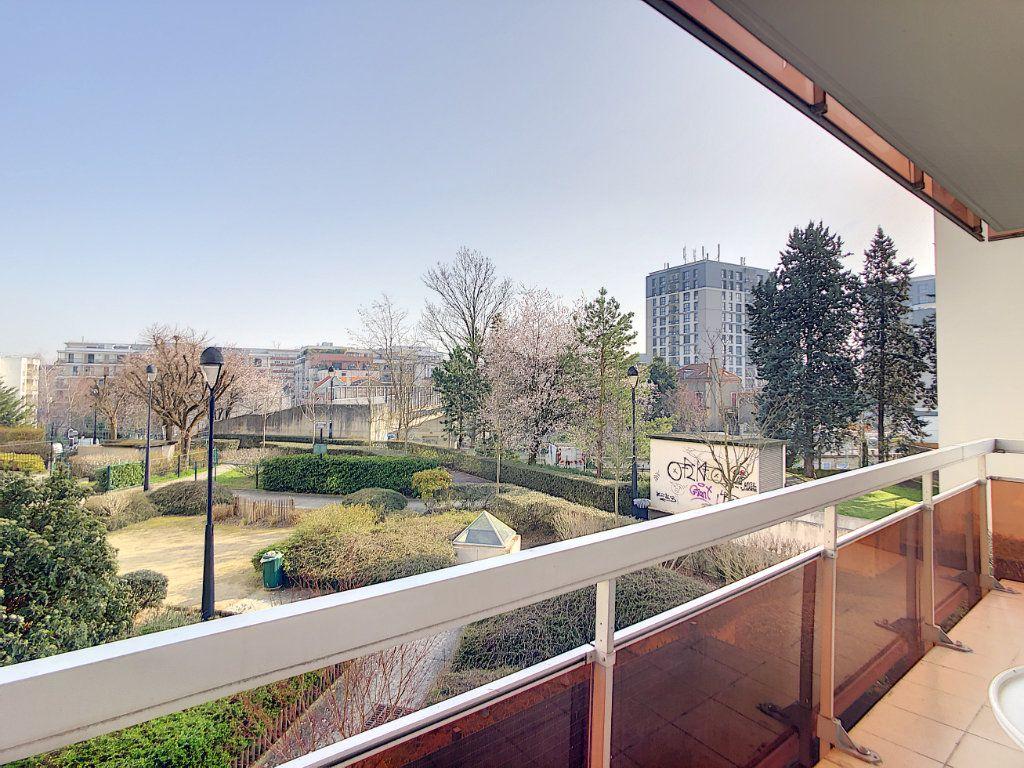 Appartement à louer 2 53.68m2 à Joinville-le-Pont vignette-16