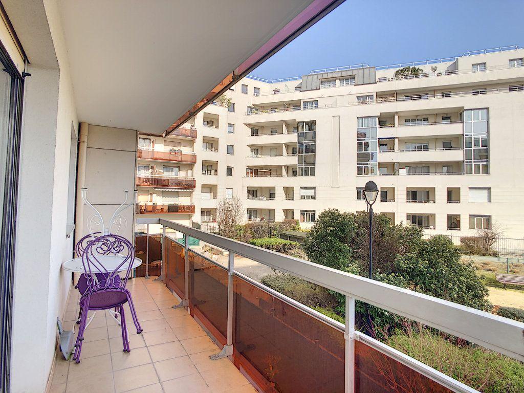 Appartement à louer 2 53.68m2 à Joinville-le-Pont vignette-17