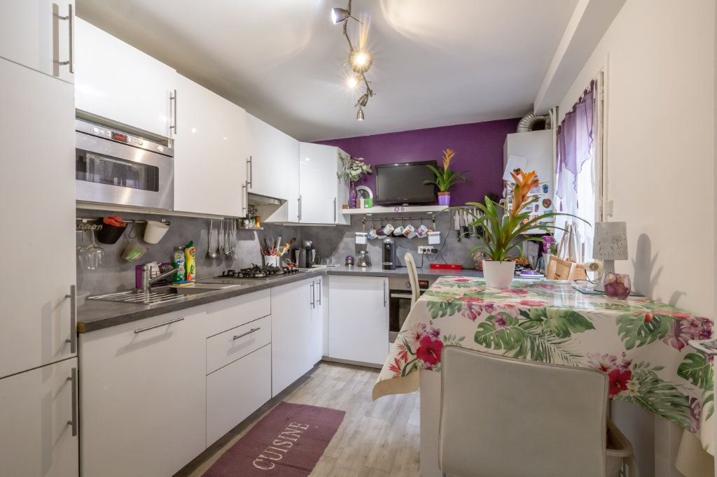 Maison à vendre 3 60m2 à Maisons-Alfort vignette-2
