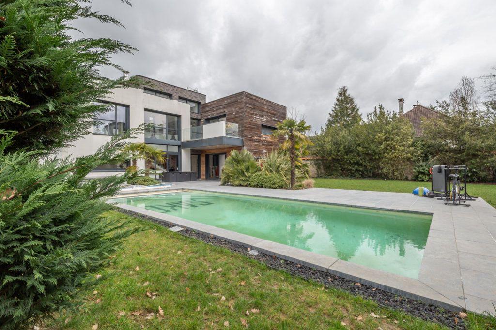 Maison à vendre 9 488m2 à Saint-Maur-des-Fossés vignette-1