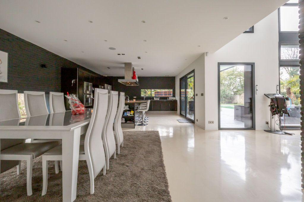 Maison à vendre 9 488m2 à Saint-Maur-des-Fossés vignette-4