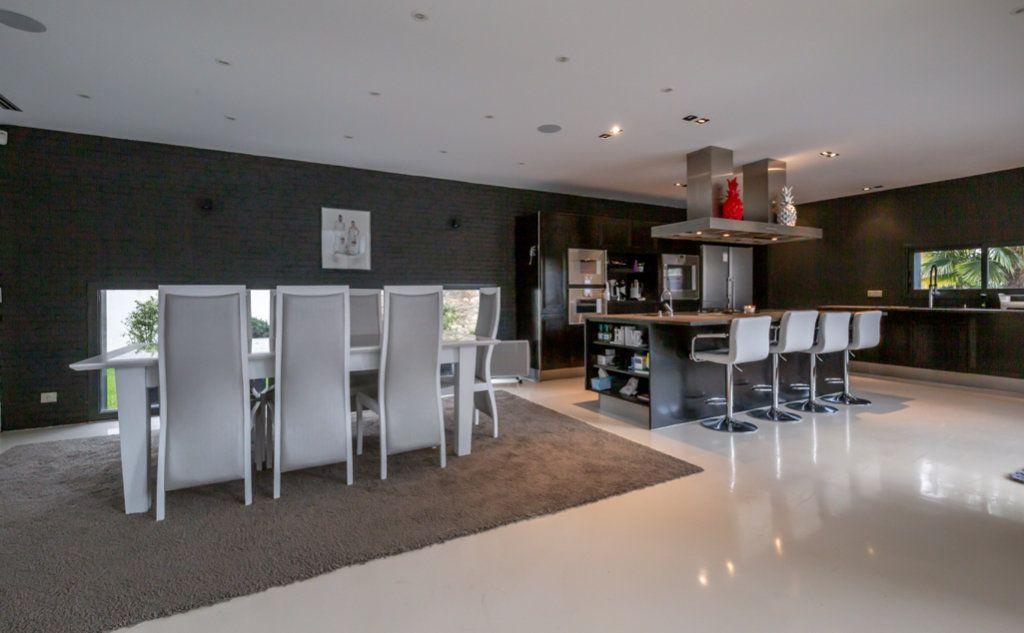 Maison à vendre 9 488m2 à Saint-Maur-des-Fossés vignette-5