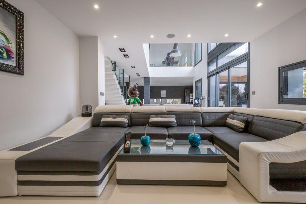 Maison à vendre 9 488m2 à Saint-Maur-des-Fossés vignette-10