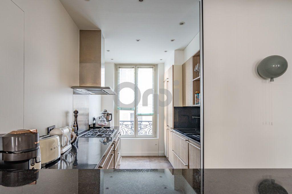 Appartement à vendre 4 92.03m2 à Paris 16 vignette-3