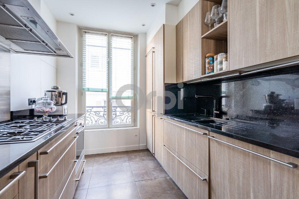 Appartement à vendre 4 92.03m2 à Paris 16 vignette-4