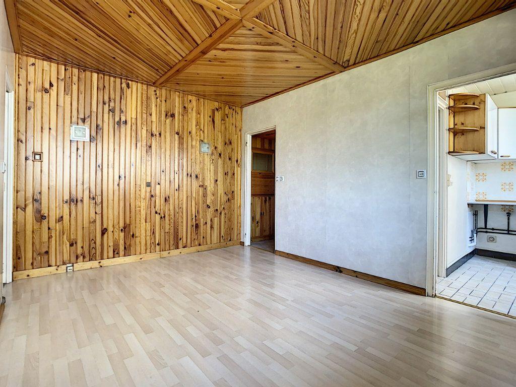 Appartement à louer 3 42.3m2 à Créteil vignette-1