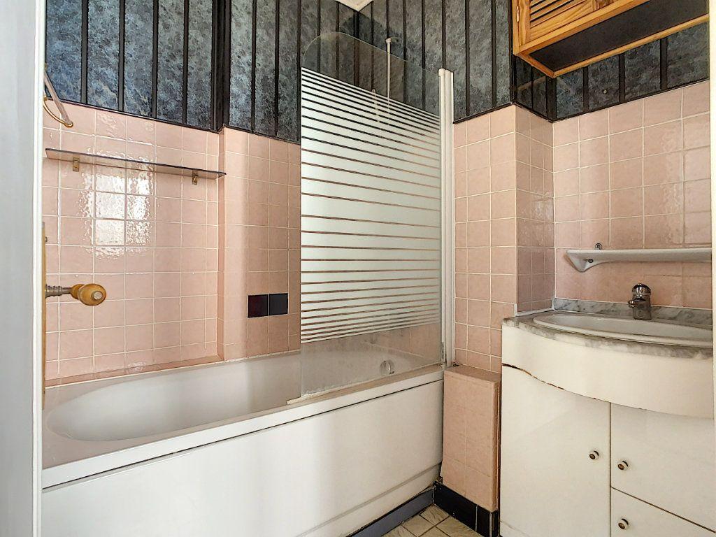 Appartement à louer 3 42.3m2 à Créteil vignette-7