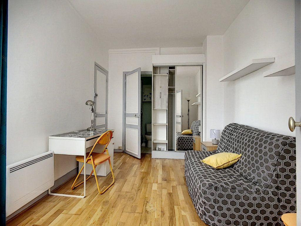 Appartement à louer 1 18m2 à Joinville-le-Pont vignette-2