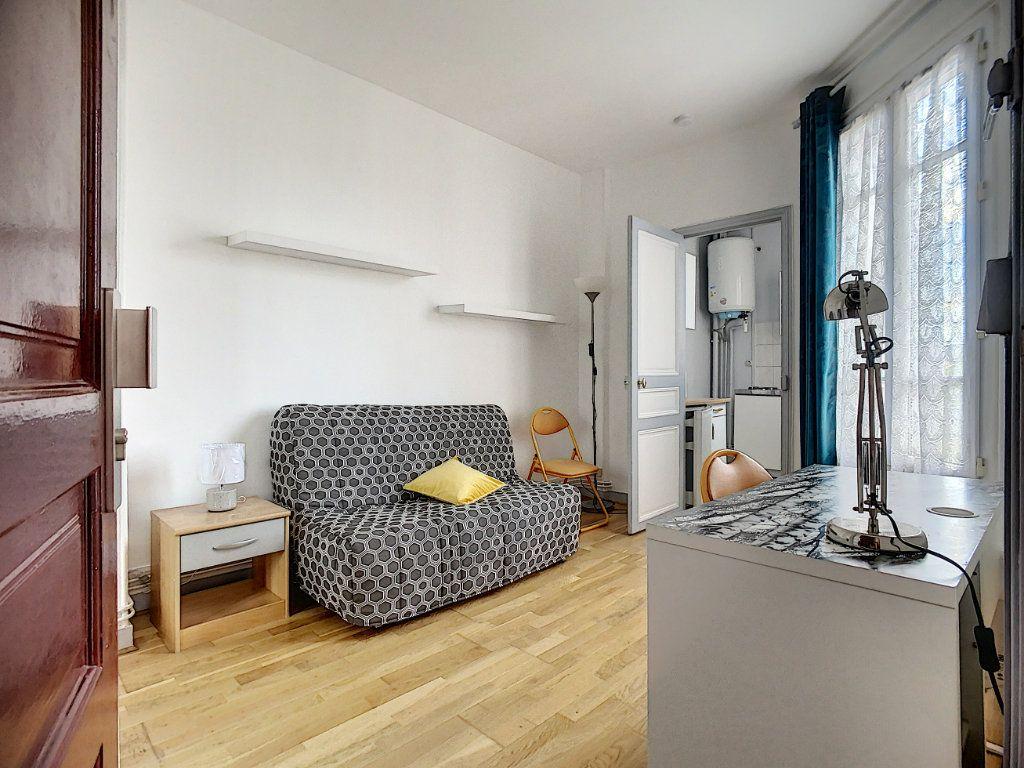 Appartement à louer 1 18m2 à Joinville-le-Pont vignette-3