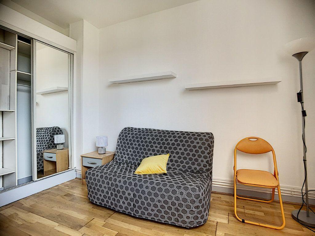 Appartement à louer 1 18m2 à Joinville-le-Pont vignette-4