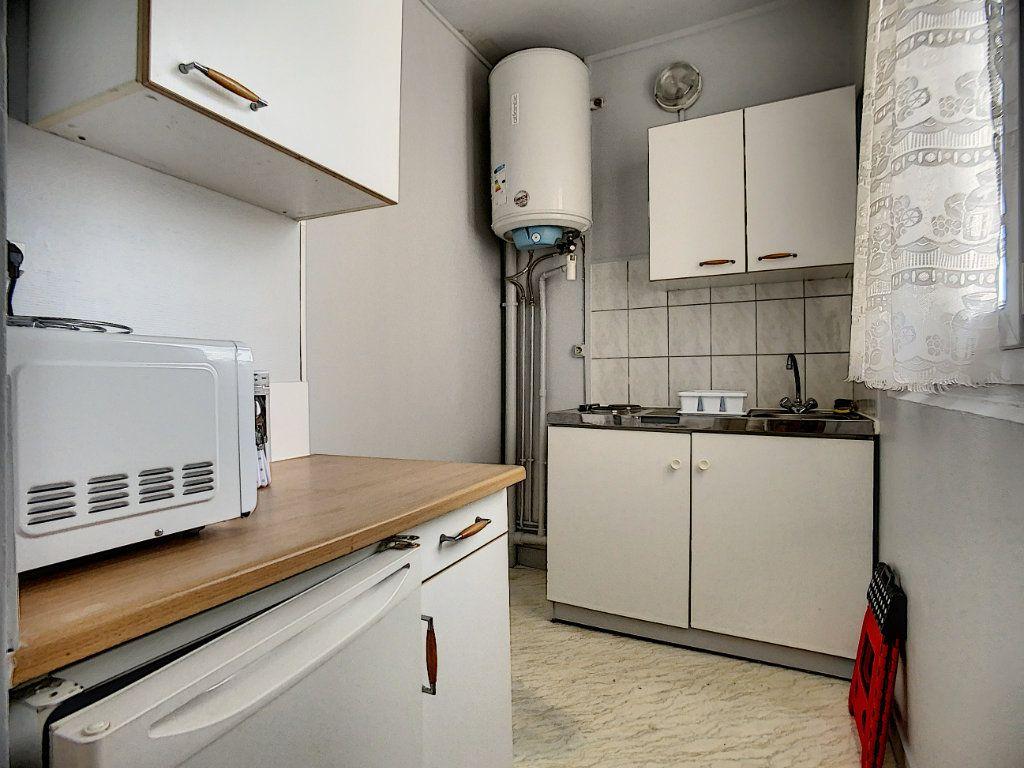Appartement à louer 1 18m2 à Joinville-le-Pont vignette-5