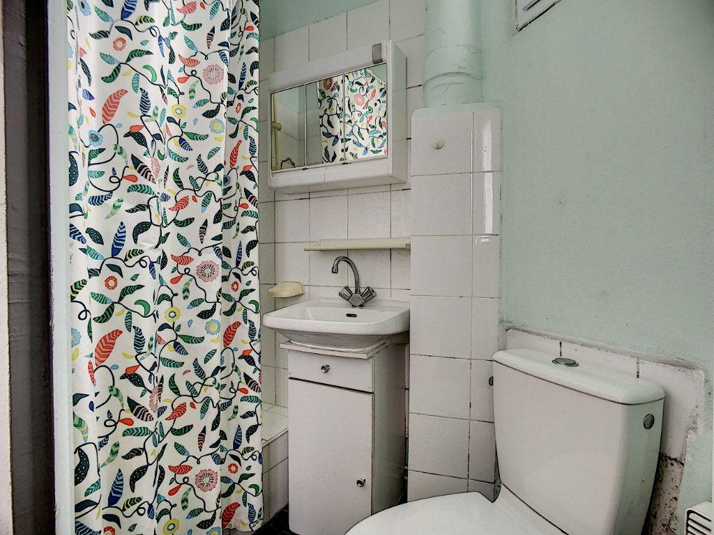 Appartement à louer 1 24m2 à Joinville-le-Pont vignette-8