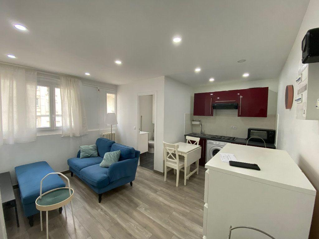 Appartement à louer 2 28m2 à Colombes vignette-1