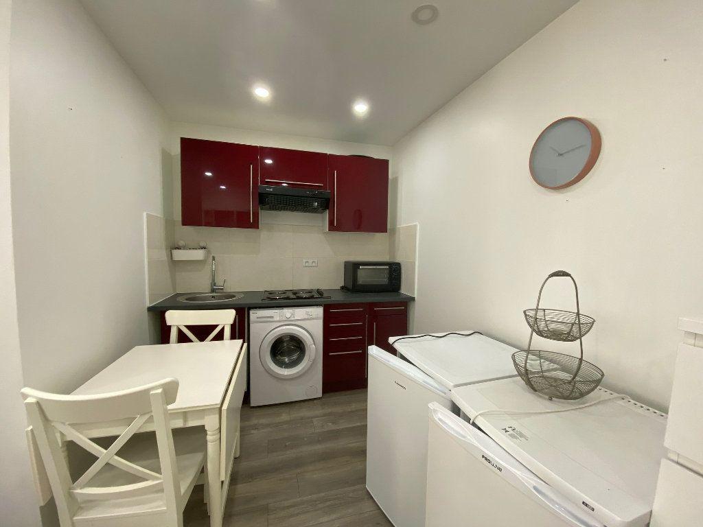 Appartement à louer 2 28m2 à Colombes vignette-4