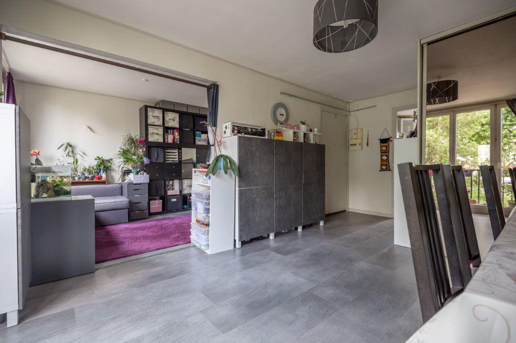 Appartement à vendre 4 64.45m2 à Joinville-le-Pont vignette-2