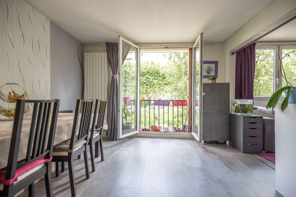 Appartement à vendre 4 64.45m2 à Joinville-le-Pont vignette-3