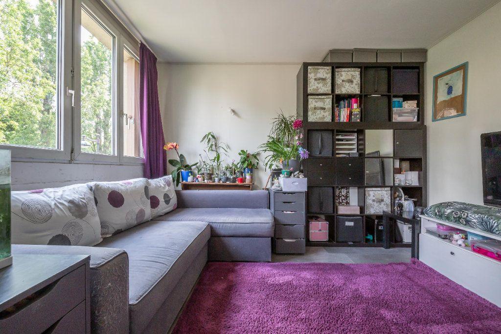 Appartement à vendre 4 64.45m2 à Joinville-le-Pont vignette-4
