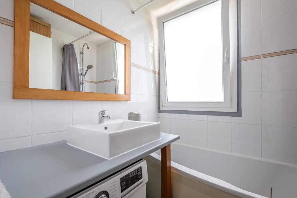 Appartement à vendre 4 64.45m2 à Joinville-le-Pont vignette-5