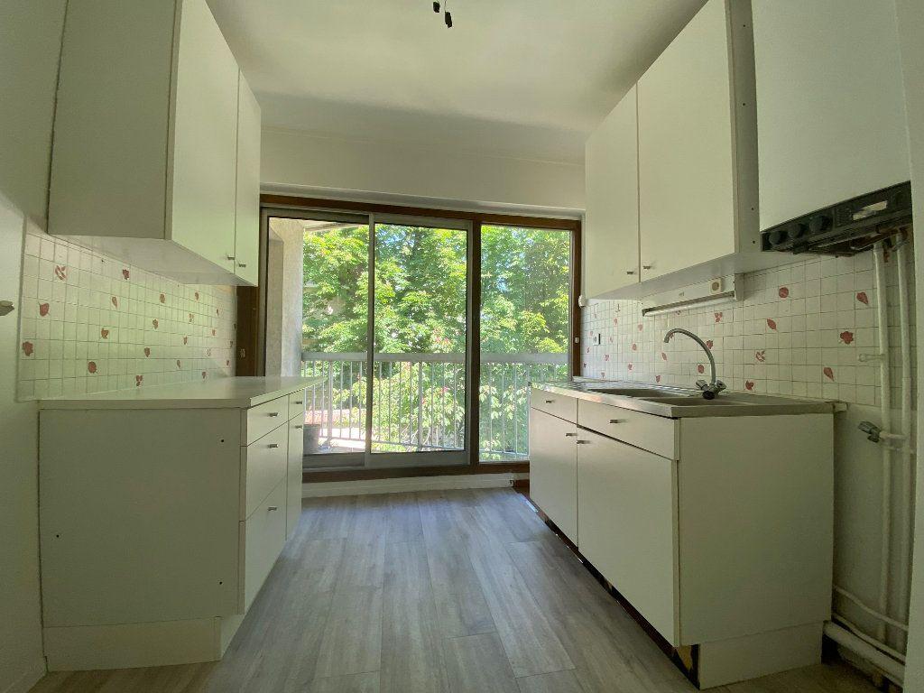 Appartement à louer 3 54.59m2 à Créteil vignette-2