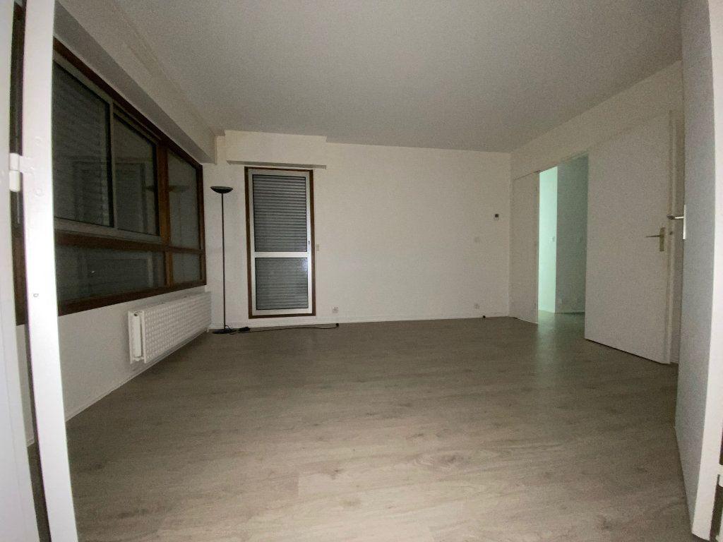 Appartement à louer 3 54.59m2 à Créteil vignette-5
