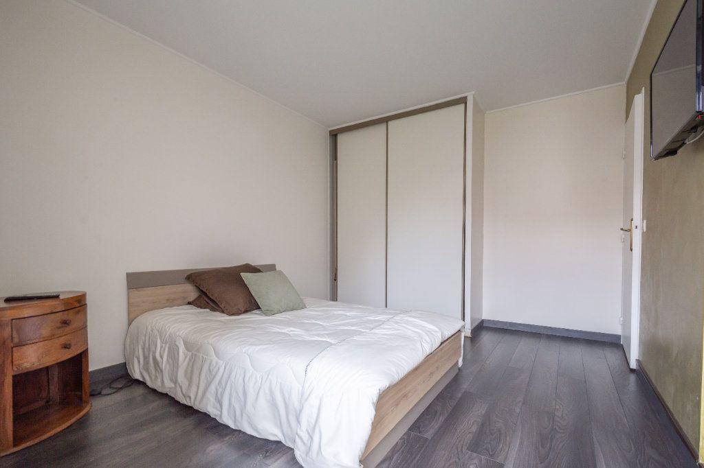 Appartement à vendre 2 57m2 à Joinville-le-Pont vignette-7