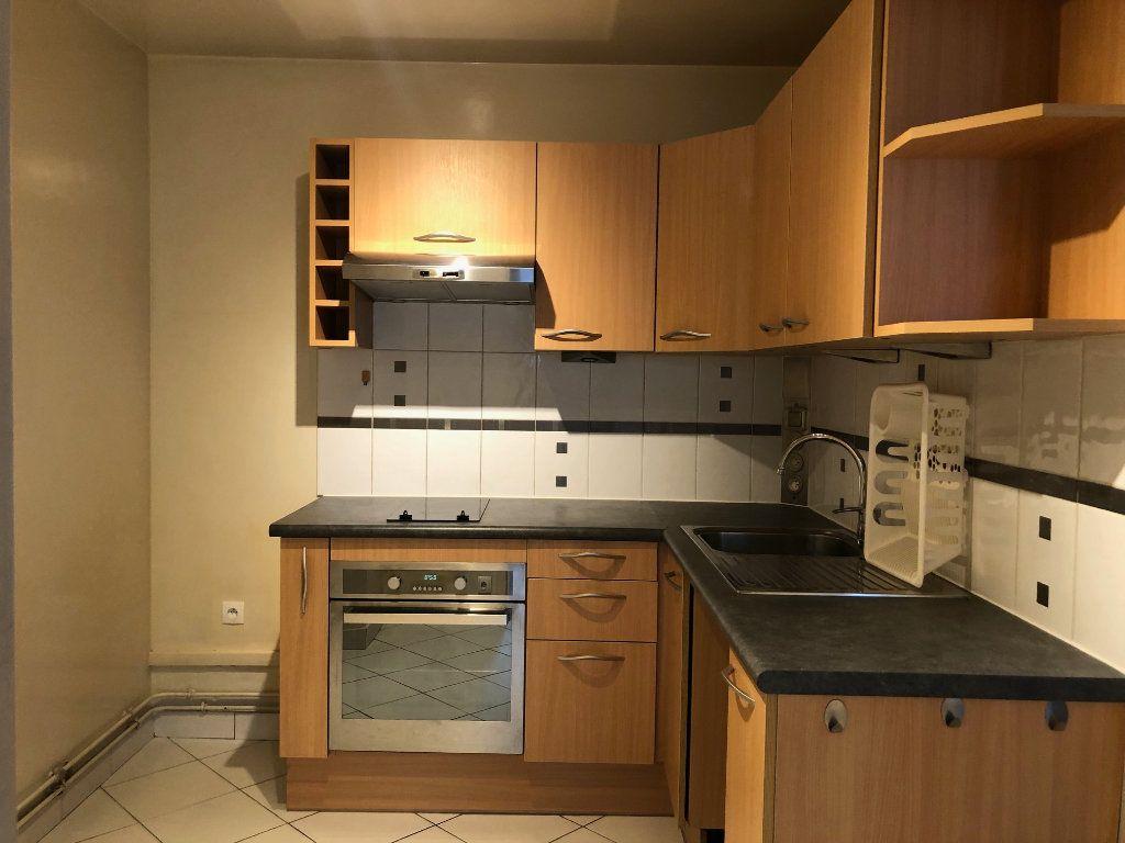 Appartement à louer 2 45.9m2 à Créteil vignette-13
