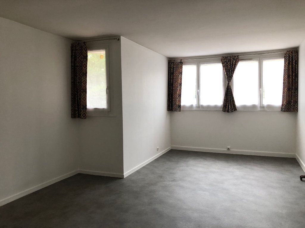 Appartement à louer 2 45.9m2 à Créteil vignette-16