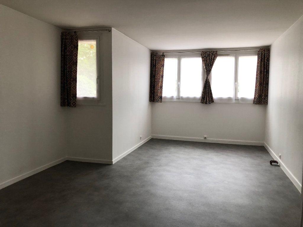 Appartement à louer 2 45.9m2 à Créteil vignette-17