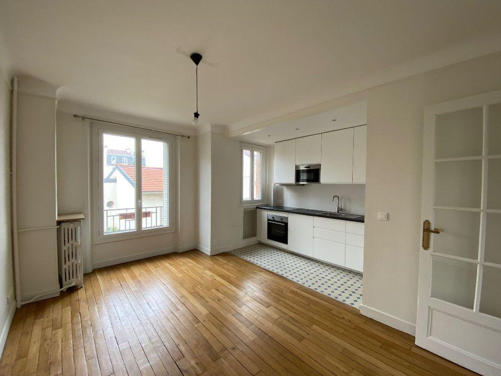 Appartement à louer 2 49m2 à Bois-Colombes vignette-1