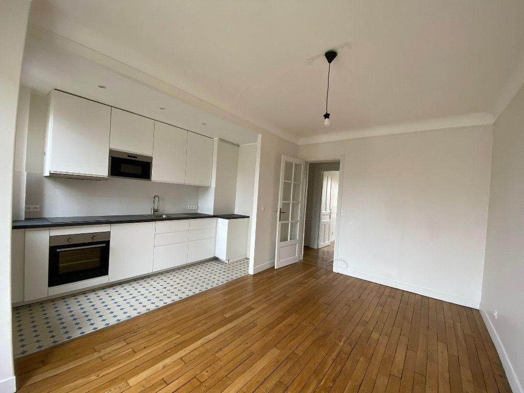 Appartement à louer 2 49m2 à Bois-Colombes vignette-2