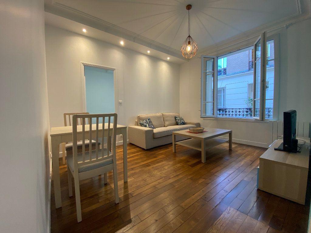 Appartement à louer 2 36.42m2 à Paris 18 vignette-3