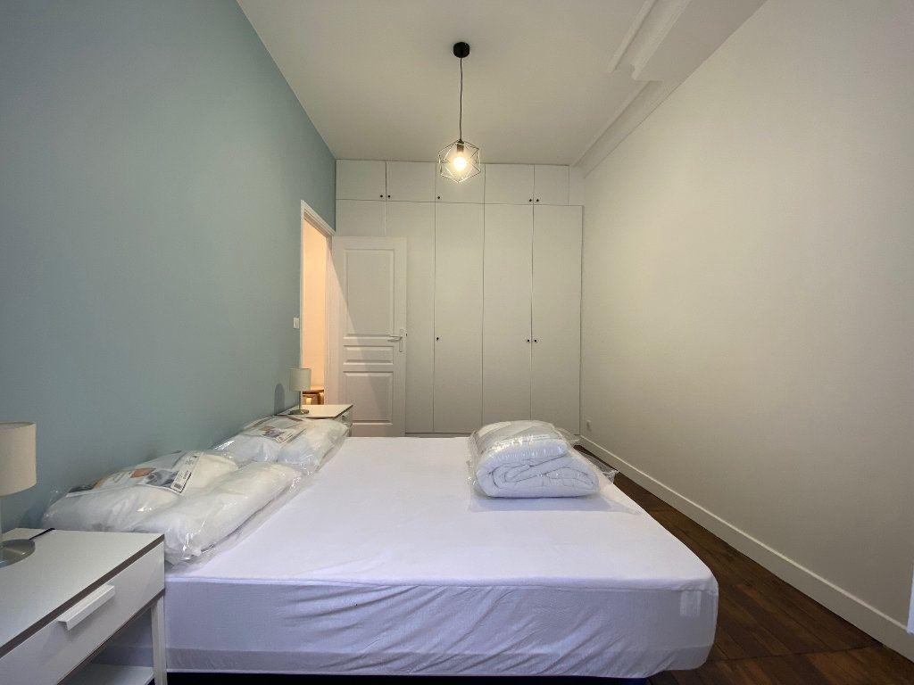 Appartement à louer 2 36.42m2 à Paris 18 vignette-5