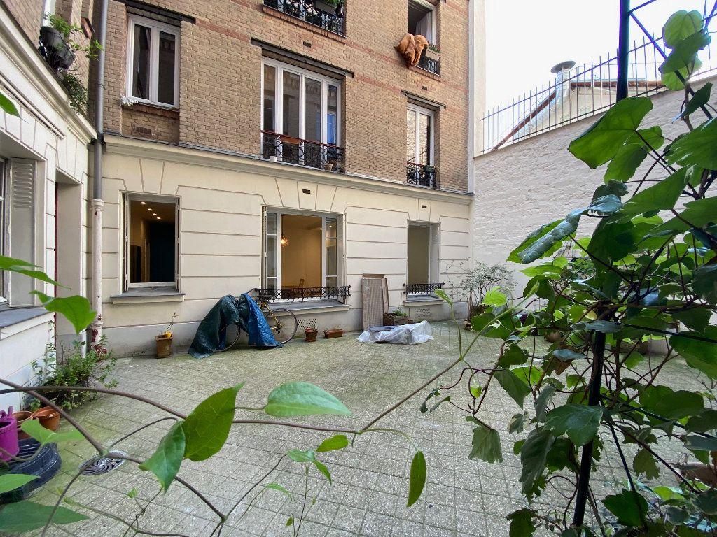 Appartement à louer 2 36.42m2 à Paris 18 vignette-11