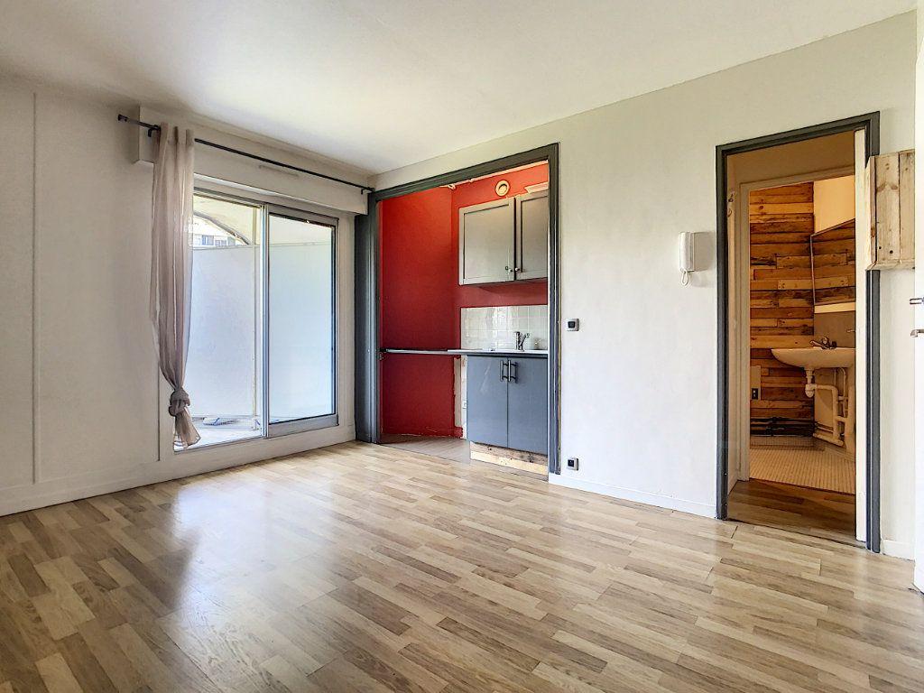 Appartement à louer 1 17.41m2 à Saint-Maurice vignette-3