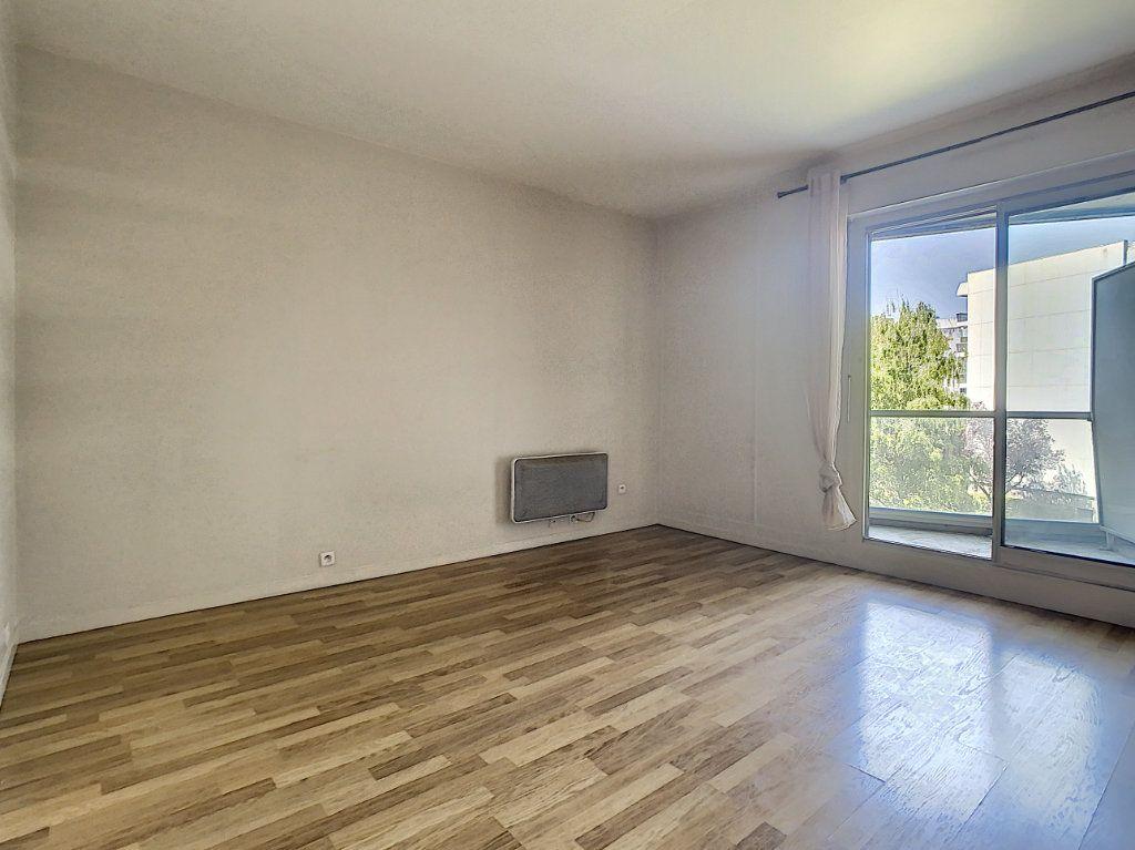 Appartement à louer 1 17.41m2 à Saint-Maurice vignette-4