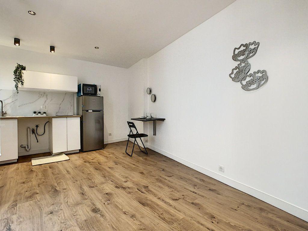 Appartement à louer 1 18.7m2 à Joinville-le-Pont vignette-2