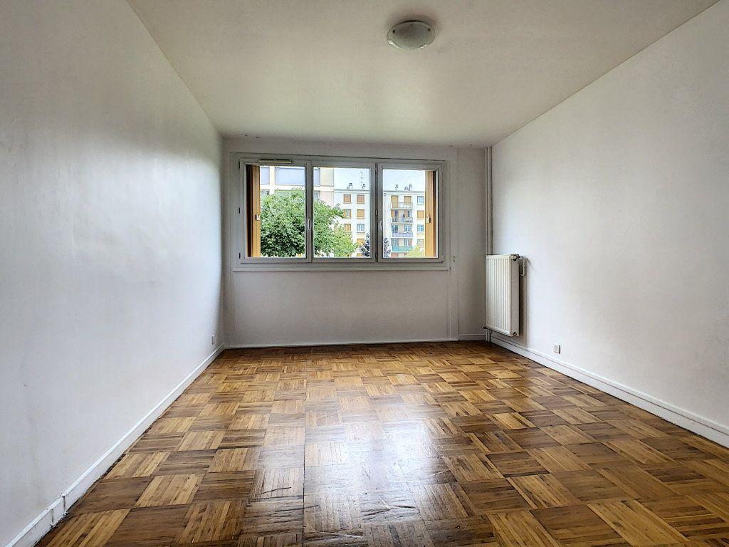 Appartement à louer 3 56m2 à Champigny-sur-Marne vignette-3