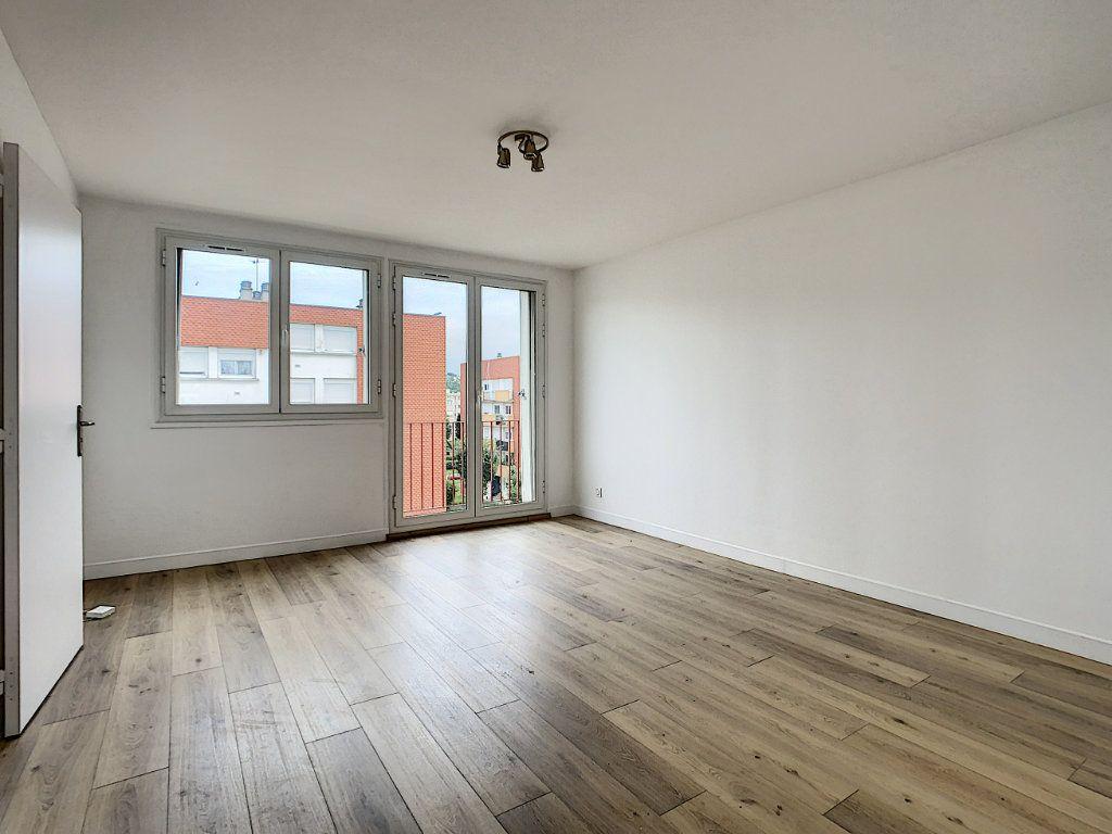 Appartement à louer 2 45m2 à Champigny-sur-Marne vignette-1